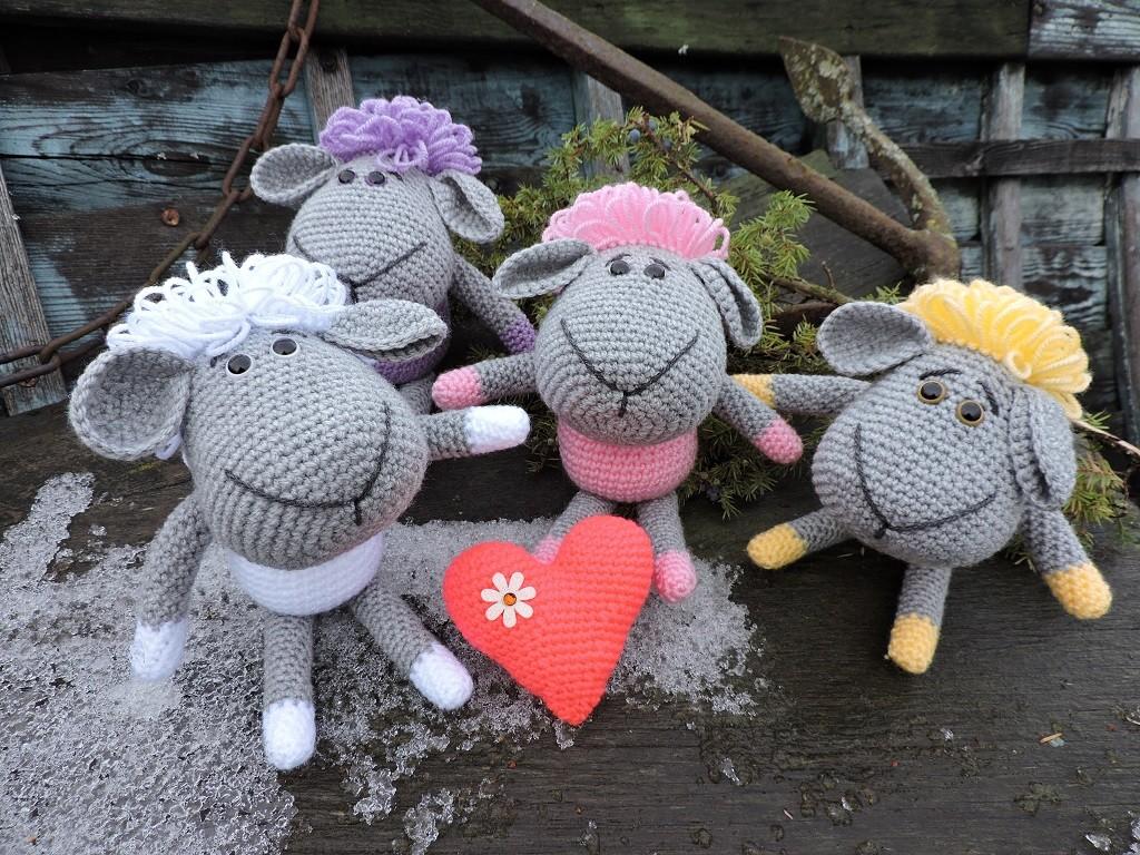 Sõber lammas südamekesega - Amigurumi heegeldatud mänguasja juhend